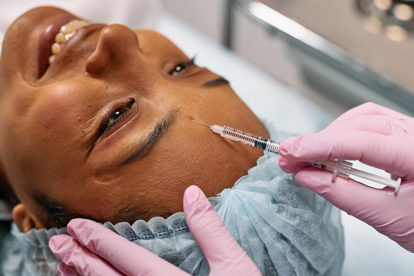 woman gets xeomin injection